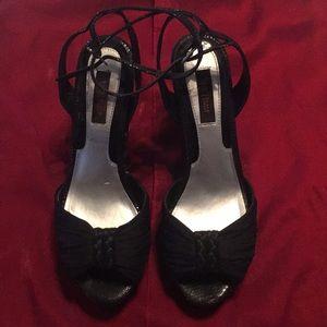 Size 9 heel, White House, Black Market
